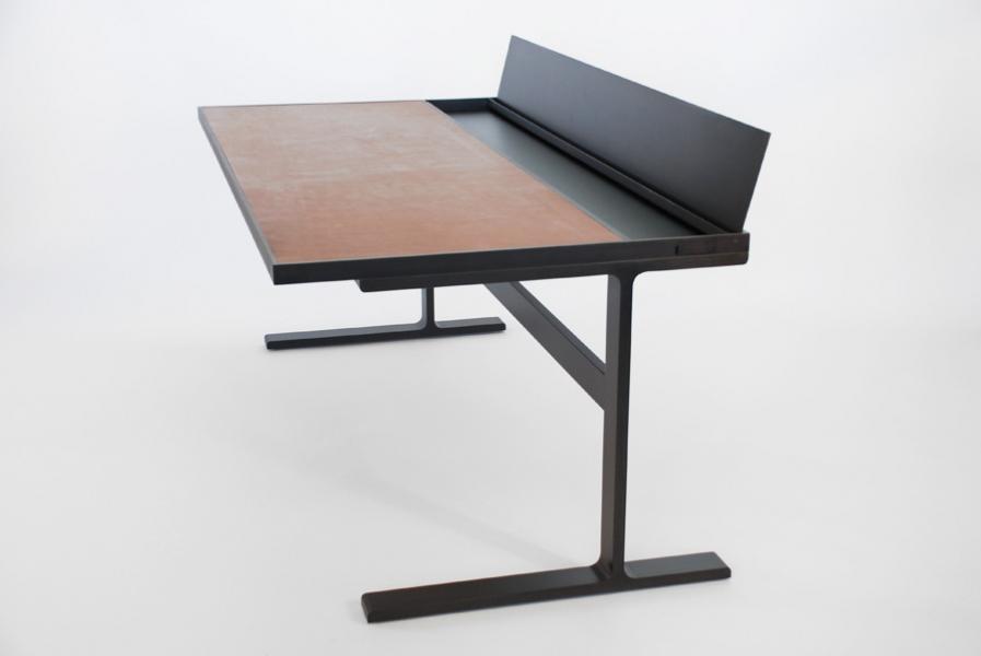Desk Desk