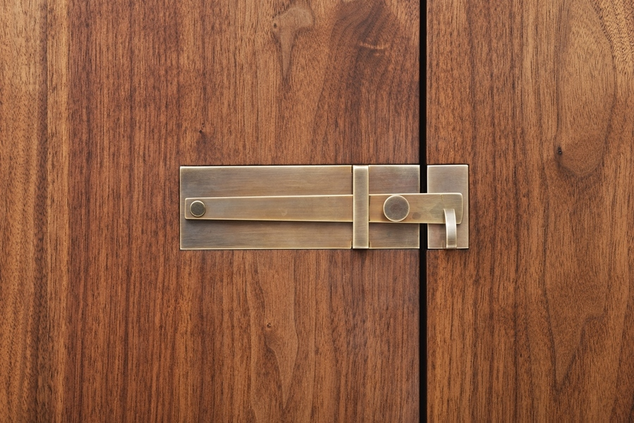 Hardwood Bar Handmade bronze latch